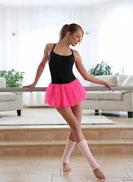 Petite Lovely Dancer