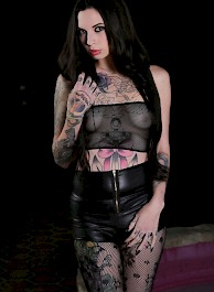 Tattooed Sexdoll by the Fontain