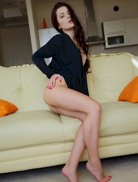 Beautiful Brunette Teen Amelie