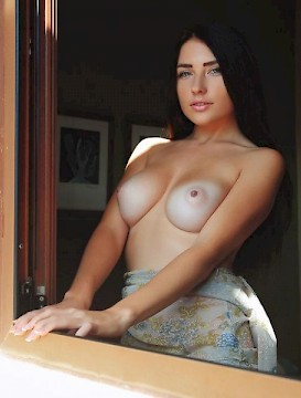pretty girl Neimira gives you her gorgeous nude body