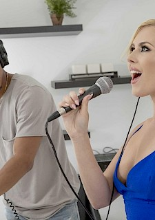 hottie Summer Day takes a big black cock in Record Studio