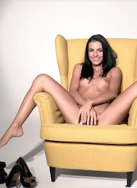 Sexy SAPPHIRA is playing with her pussy