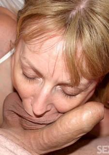 Blond Armature blowjob