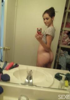 Perfekte Teen Brnette macht nackt Selfie - Sexo 18 Die