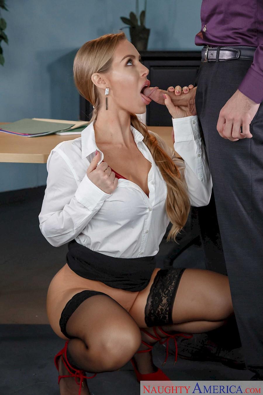 Nicole Hot Aniston Naked