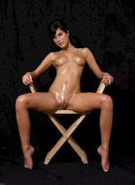 Oiled Babe Mirta Extreme Exposure