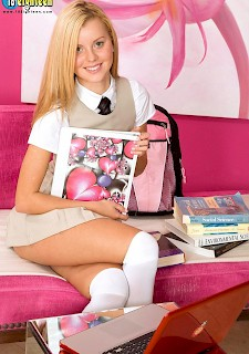 sexy Jessie Rogers strips for you after class