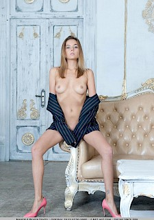 pretty babe Katya Clover gets naked for you