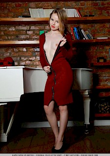 hot Kate Chase shows you what's under her red dress