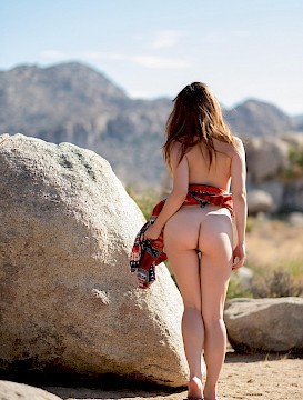 hottie girl Ariel Rebel shows you what's under her skirt in the desert