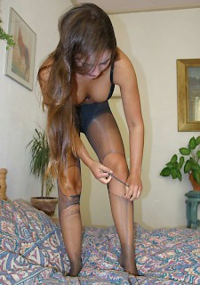 sexy girl does tights broken