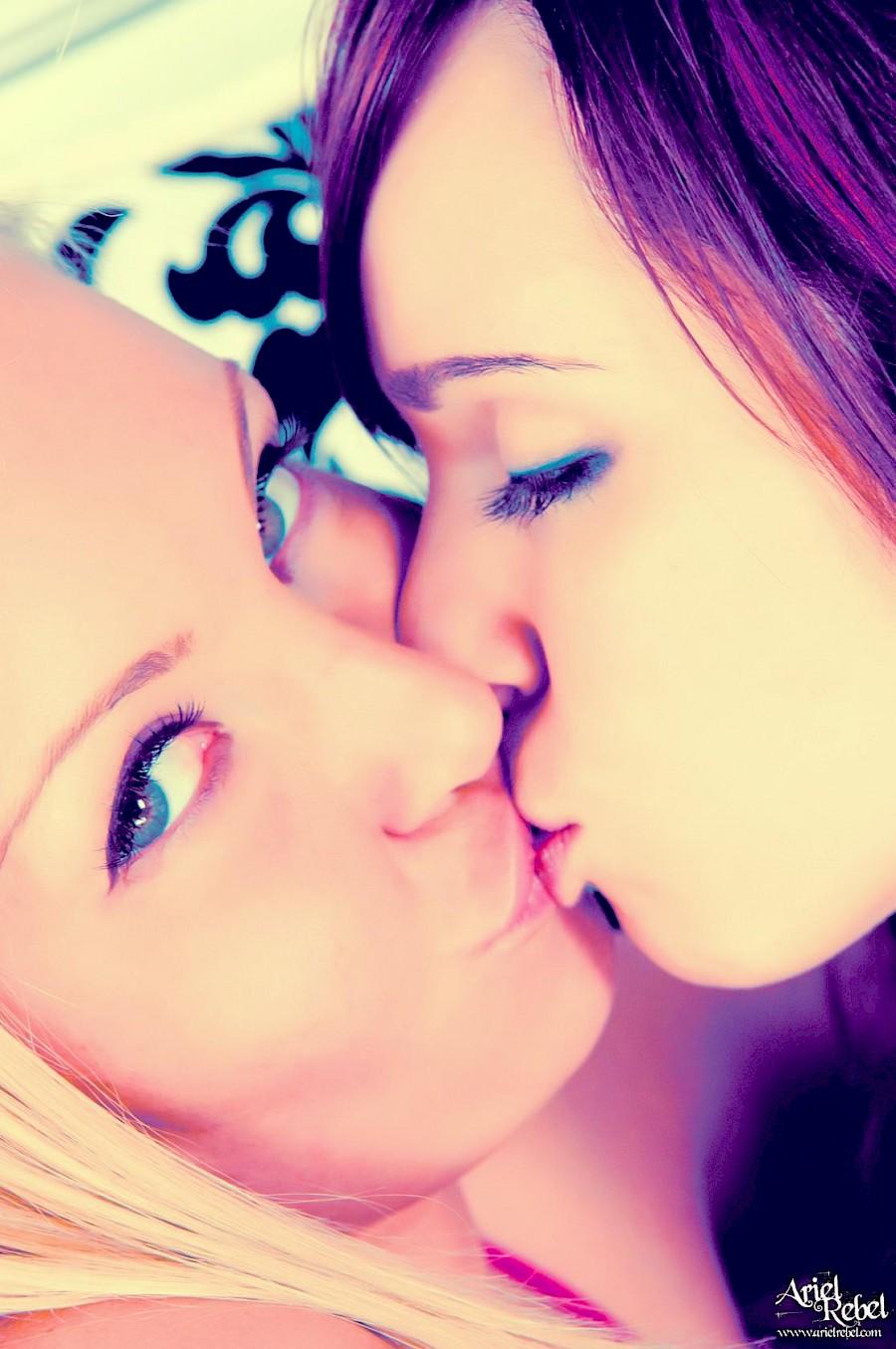 Sexy lesbian sex girls