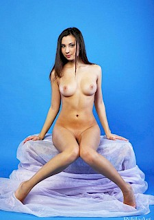 cute girl Oretha Mars displays her nude body