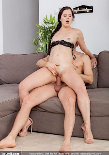 sexy babe Cassie Fire riding cock in her heels