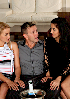 darcia lee and cherry kiss in hot threesome