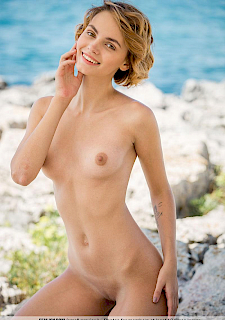 Femjoy's pretty girl Ariel A