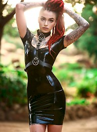 Rasta Beauty Leigh Raven in Latex